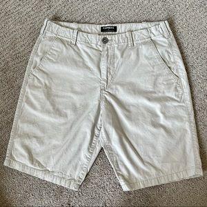 men's express khaki shorts size 31